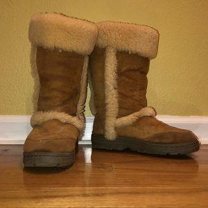 EMU Australia Fuzzy Tan Boots - Size: 10
